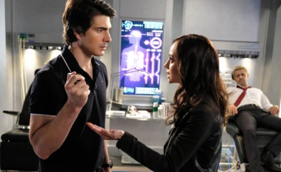 Brandon Routh Courtney Ford Leaving Legends of Tomorrow