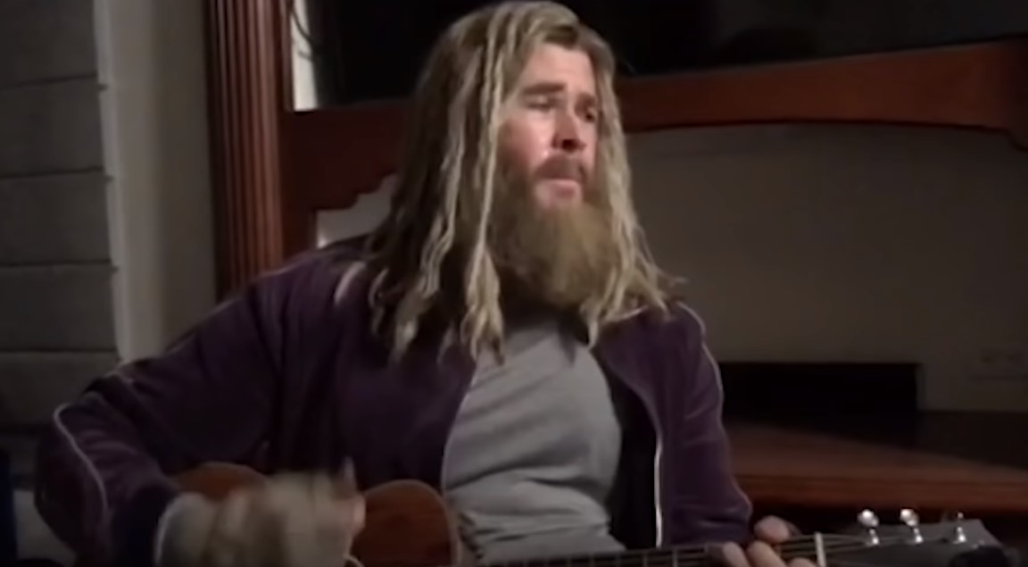 Chris Hemsworth Fat Thor singing Johnny Cash