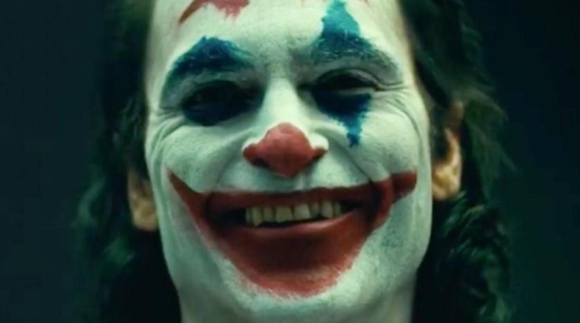 Joker smile Joaquin Phoenix