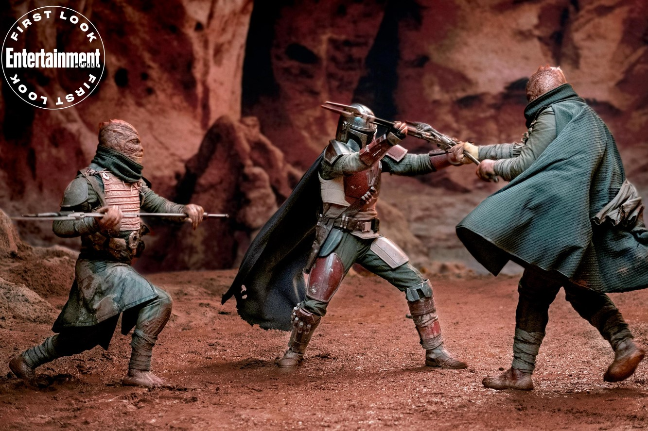 Star Wars The Mandalorian Trandoshans fight scene