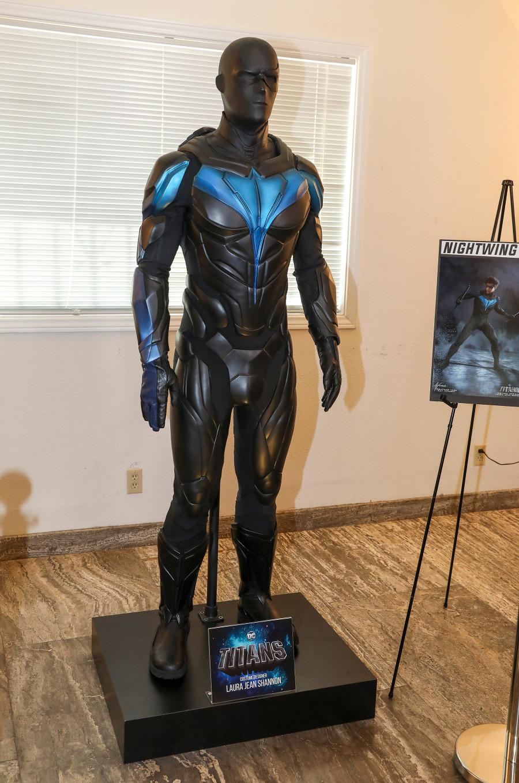 Titans Nighting suit