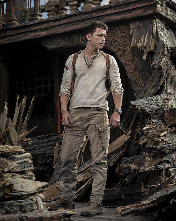 Uncharted Tom Holland as Nate First Look