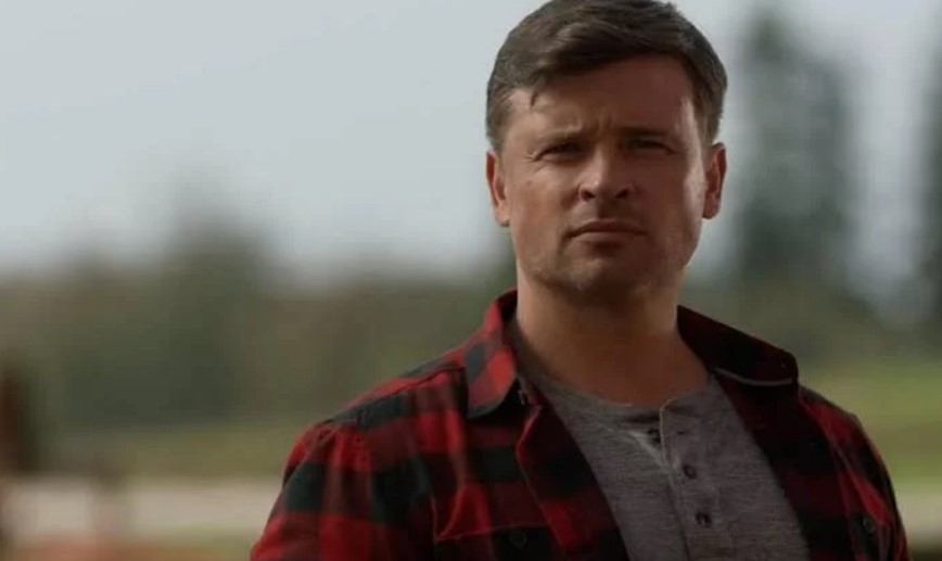 Tom Welling Crisis On Infinte Earths