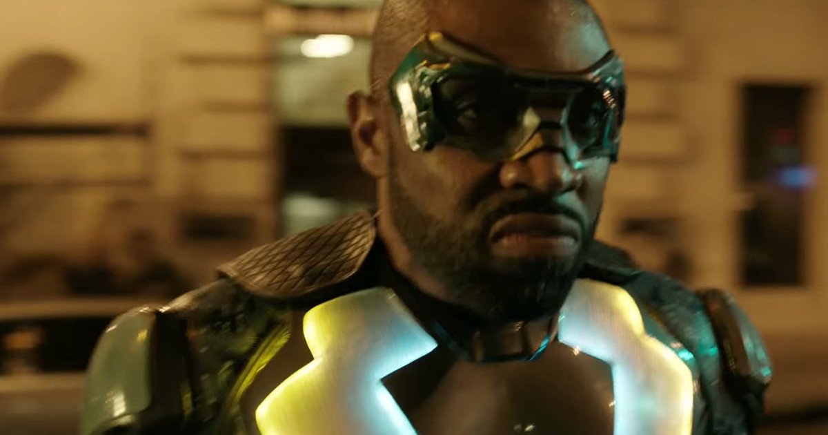BLACK LIGHTNING Trailer Teases the Origin of The CW's Newest Superhero