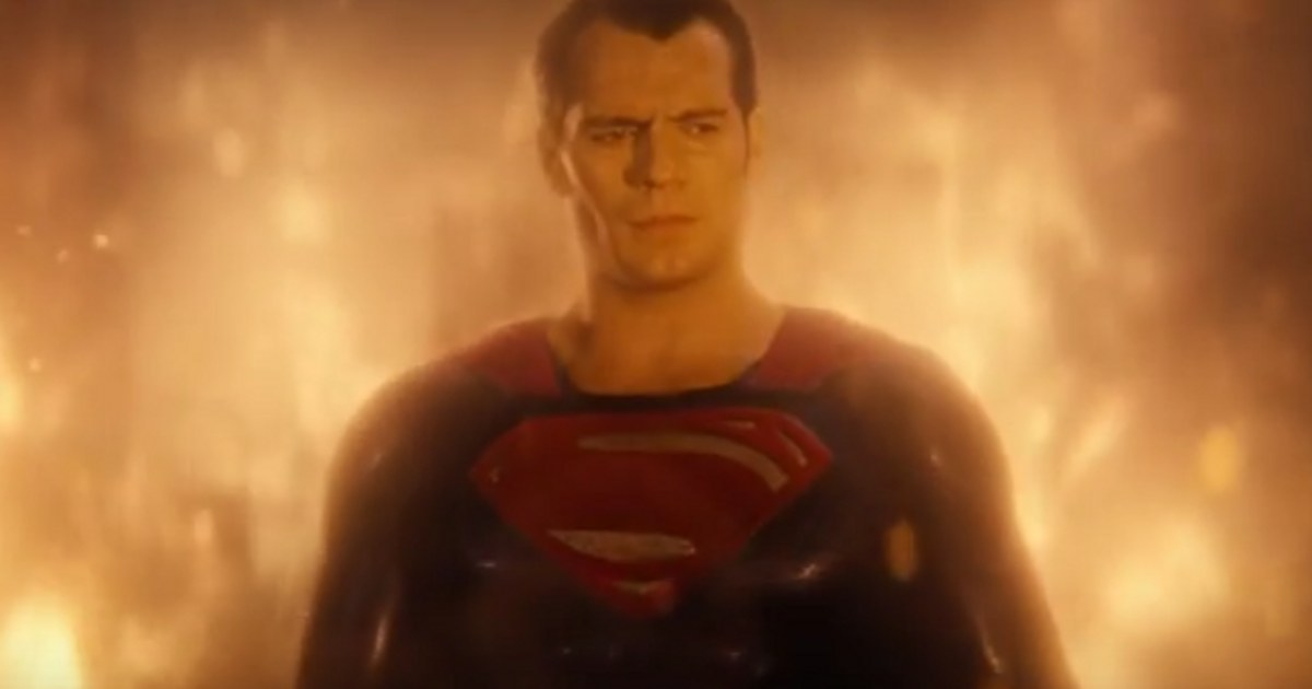 Watch: Batman Vs. Superman: Supes & Clark Kent Featurette