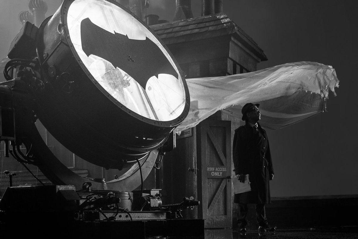 Justice League J.K. Simmons Commissioner Gordon Bat Signal