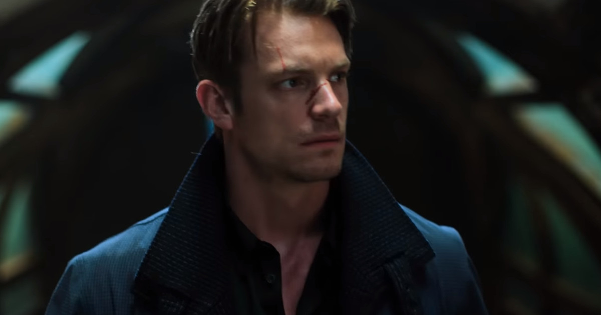 'Altered Carbon' Trailer: Netflix's Sci-fi Series Looks Expensive and Silly