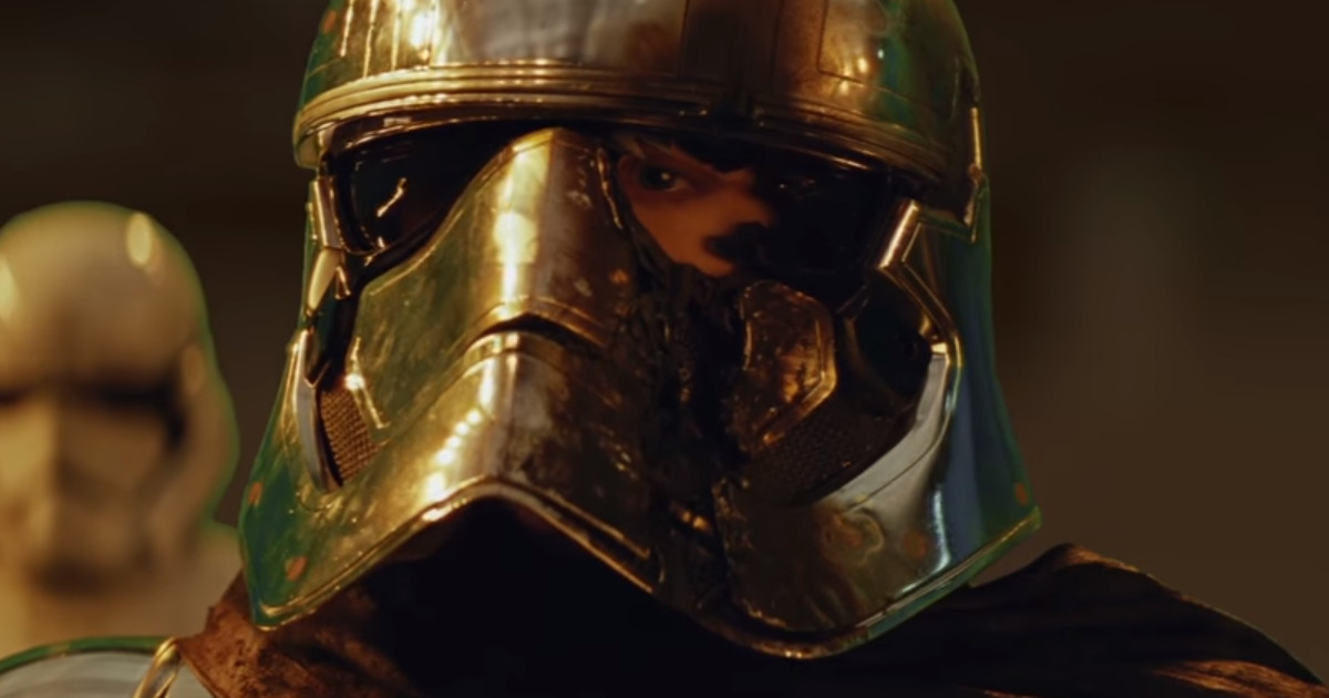 STAR WARS: THE LAST JEDI Deleted Scene Shows Captain Phasma's Alternate Fate