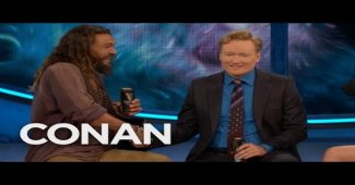 Conan Drinks A Pint Of Guinness With Aquaman Cast