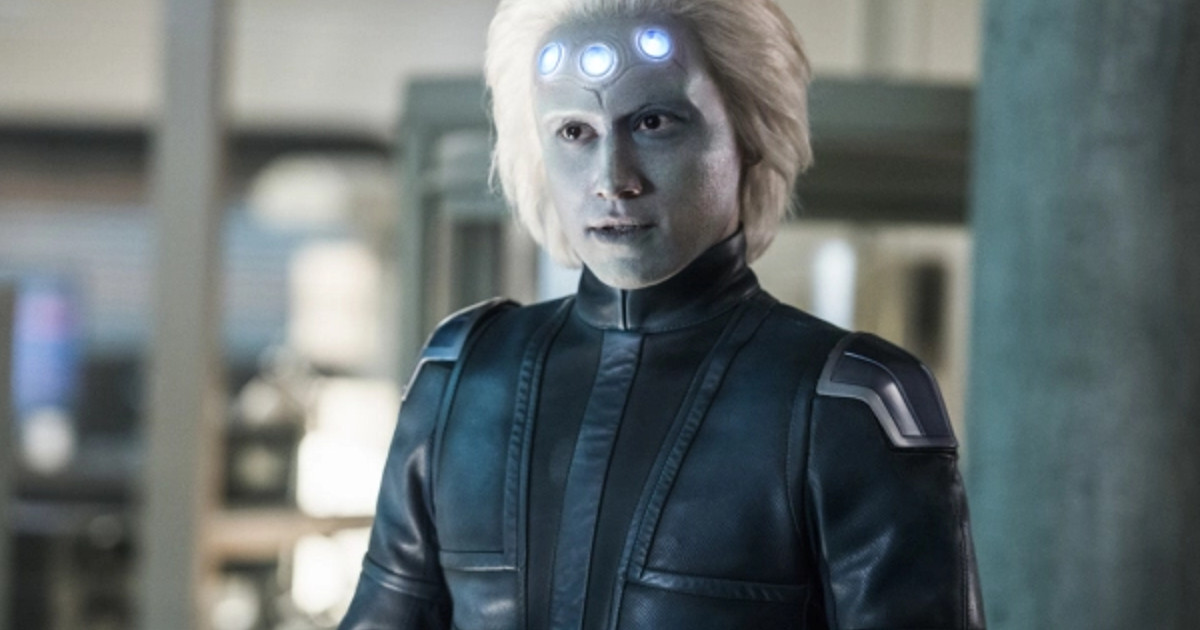 """Supergirl """"Legion of Super Heroes"""" Preview Images"""